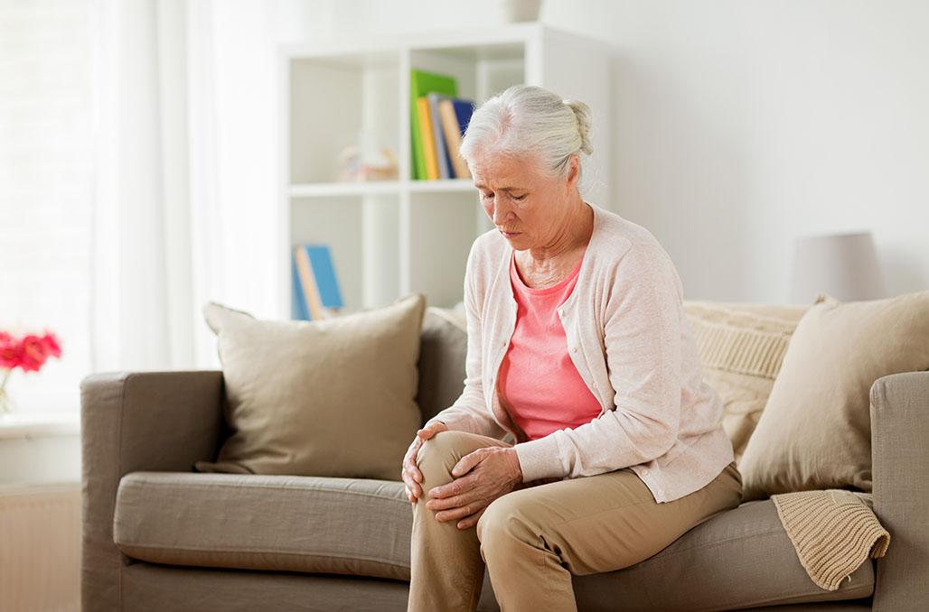Dolore al ginocchio, quando a causarlo è l'osteoporosi..