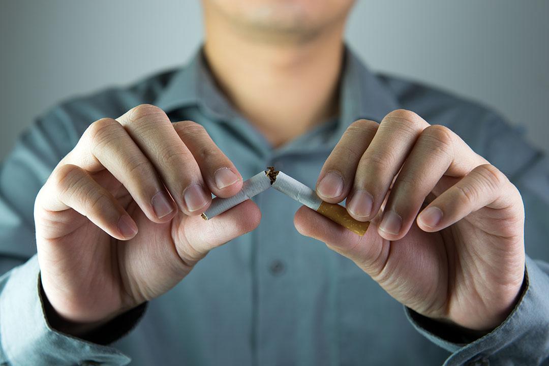 uomini e osteoporosi: fumo fattore rischio