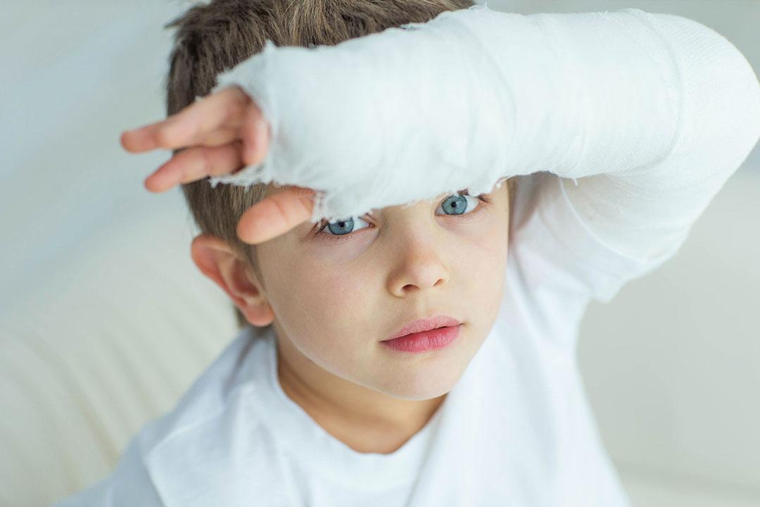 L'osteoporosi giovanile è una malattia silenziosa che può colpire bambini e adolescenti.